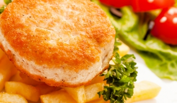 Fish cakes and baked French fries